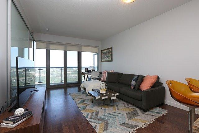 Condo Apartment at 70 Distillery Lane, Unit 3004, Toronto, Ontario. Image 17