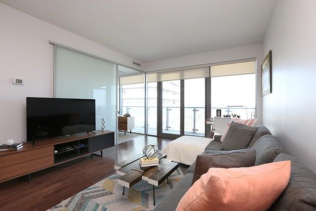 Condo Apartment at 70 Distillery Lane, Unit 3004, Toronto, Ontario. Image 2