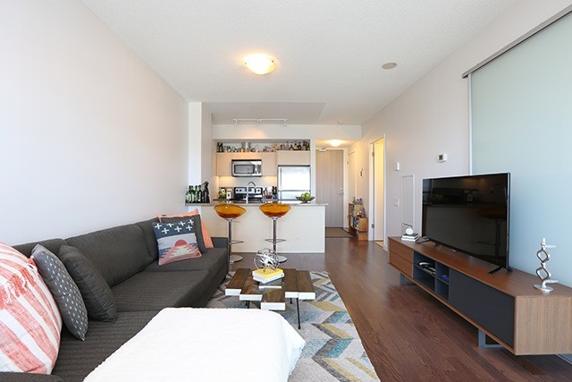 Condo Apartment at 70 Distillery Lane, Unit 3004, Toronto, Ontario. Image 3
