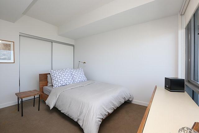 Condo Apartment at 70 Distillery Lane, Unit 3004, Toronto, Ontario. Image 4