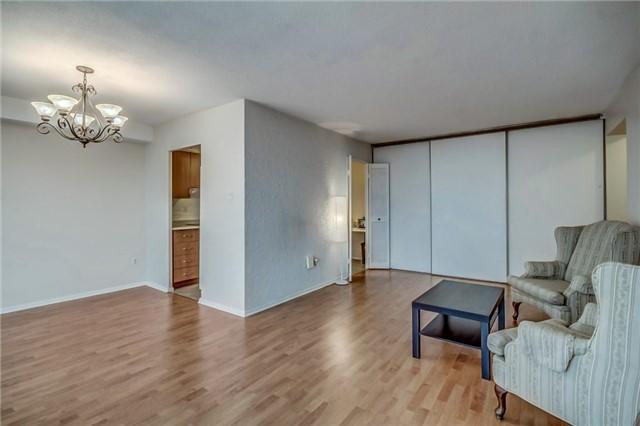Condo Apartment at 260 Seneca Hill Dr, Unit 912, Toronto, Ontario. Image 16