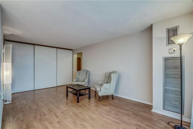 Condo Apartment at 260 Seneca Hill Dr, Unit 912, Toronto, Ontario. Image 17
