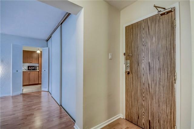 Condo Apartment at 260 Seneca Hill Dr, Unit 912, Toronto, Ontario. Image 20