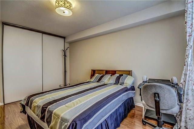 Condo Apartment at 260 Seneca Hill Dr, Unit 912, Toronto, Ontario. Image 7