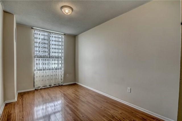 Condo Apartment at 260 Seneca Hill Dr, Unit 912, Toronto, Ontario. Image 8