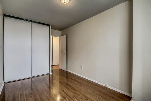 Condo Apartment at 260 Seneca Hill Dr, Unit 912, Toronto, Ontario. Image 9