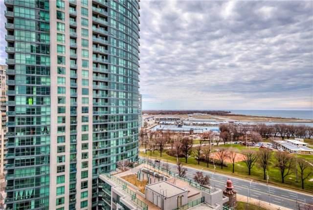 Condo Apartment at 219 Fort York Blvd W, Unit 1104, Toronto, Ontario. Image 4