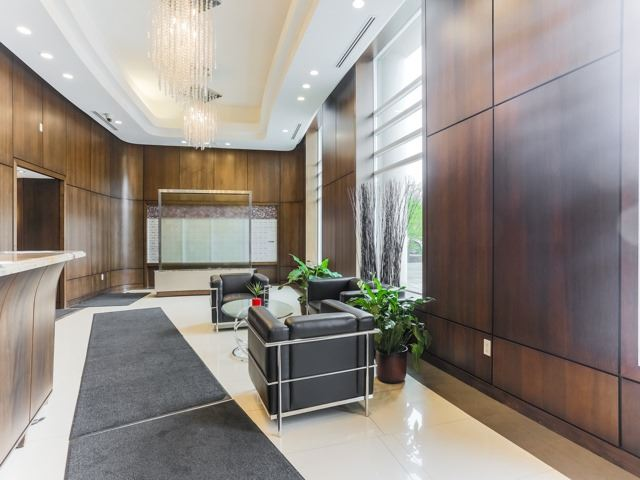 Condo Apartment at 18 Valley Woods Rd, Unit Ph111, Toronto, Ontario. Image 5