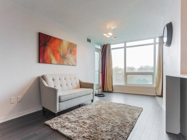 Condo Apartment at 18 Valley Woods Rd, Unit Ph111, Toronto, Ontario. Image 6