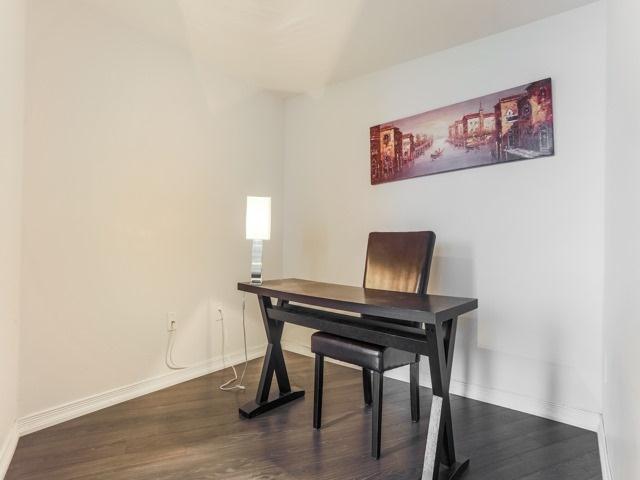Condo Apartment at 18 Valley Woods Rd, Unit Ph111, Toronto, Ontario. Image 8