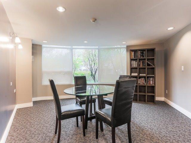 Condo Apartment at 18 Valley Woods Rd, Unit Ph111, Toronto, Ontario. Image 3