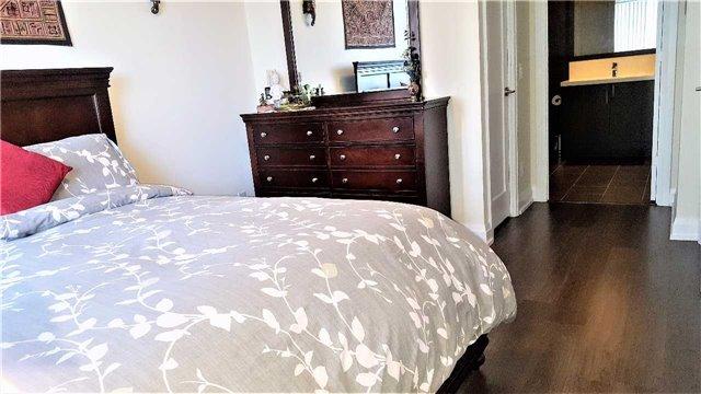 Condo Apartment at 2 Anndale Dr, Unit 1011, Toronto, Ontario. Image 3