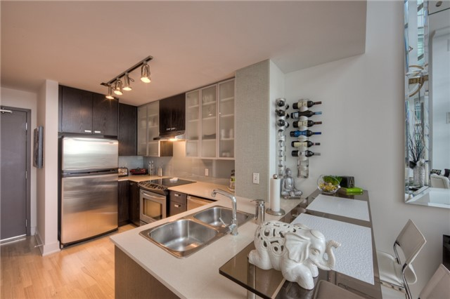 Condo With Common Elements at 637 Lake Shore Blvd, Unit 633, Toronto, Ontario. Image 9