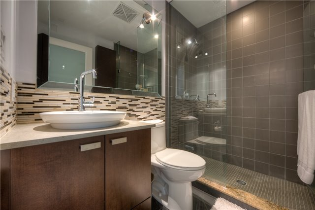 Condo With Common Elements at 637 Lake Shore Blvd, Unit 633, Toronto, Ontario. Image 14