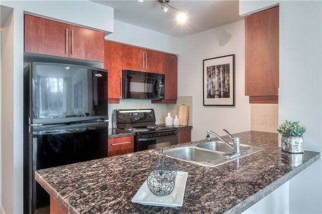 Condo Apartment at 25 Greenview Ave, Unit 316, Toronto, Ontario. Image 2