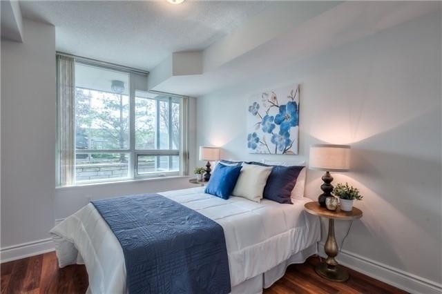 Condo Apartment at 25 Greenview Ave, Unit 316, Toronto, Ontario. Image 3