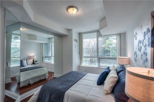 Condo Apartment at 25 Greenview Ave, Unit 316, Toronto, Ontario. Image 4