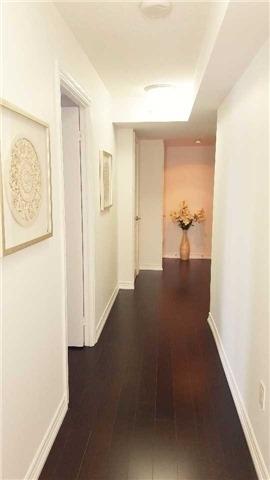 Condo Apartment at 386 Yonge St, Unit 2015, Toronto, Ontario. Image 16