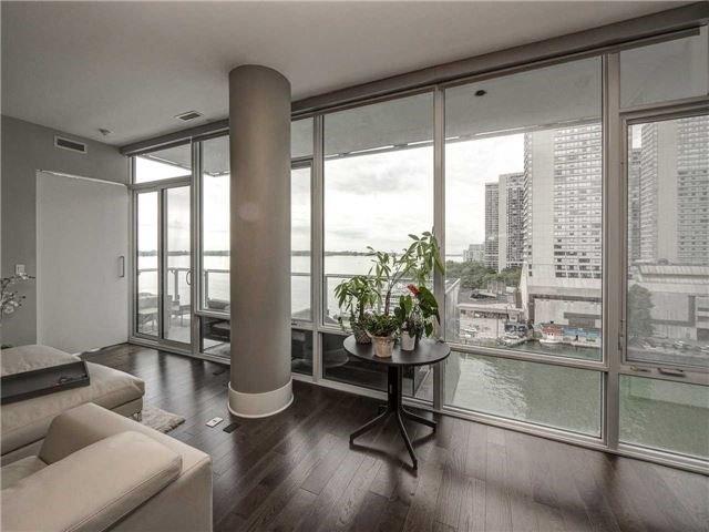 Condo Apartment at 29 Queens Quay E, Unit 904, Toronto, Ontario. Image 15