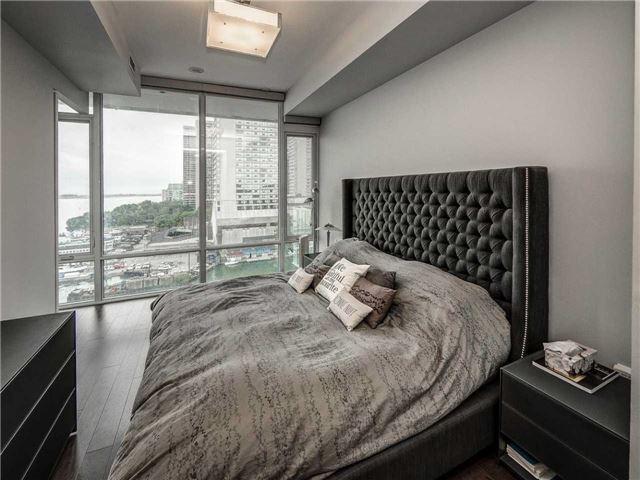 Condo Apartment at 29 Queens Quay E, Unit 904, Toronto, Ontario. Image 20