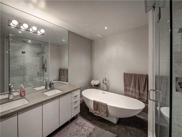 Condo Apartment at 29 Queens Quay E, Unit 904, Toronto, Ontario. Image 3