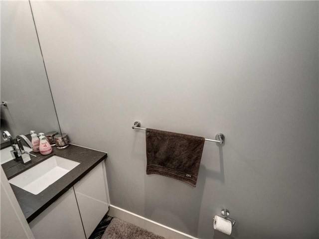 Condo Apartment at 29 Queens Quay E, Unit 904, Toronto, Ontario. Image 8