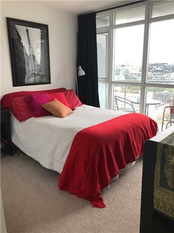 Condo Apartment at 21 Iceboat Terr, Unit 2215, Toronto, Ontario. Image 3