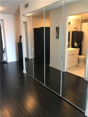 Condo Apartment at 21 Iceboat Terr, Unit 2215, Toronto, Ontario. Image 4