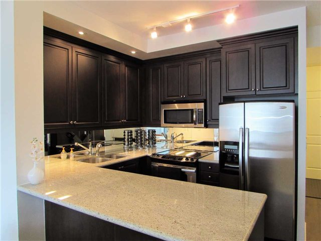 Condo Apartment at 628 Fleet St, Unit 1010, Toronto, Ontario. Image 12