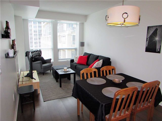 Condo Apartment at 628 Fleet St, Unit 1010, Toronto, Ontario. Image 15