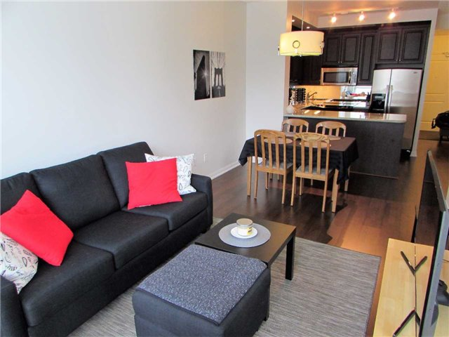 Condo Apartment at 628 Fleet St, Unit 1010, Toronto, Ontario. Image 17