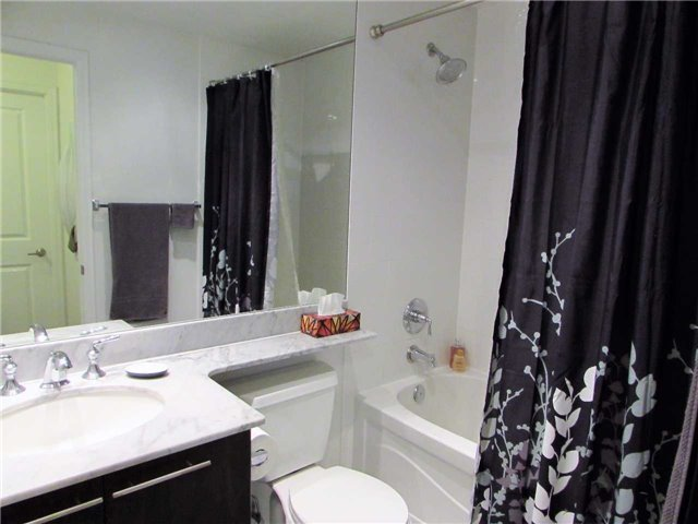 Condo Apartment at 628 Fleet St, Unit 1010, Toronto, Ontario. Image 3
