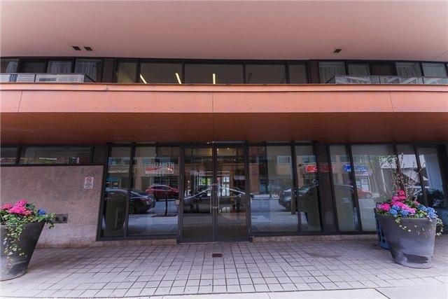 Condo Apartment at 111 Elizabeth St, Unit 925, Toronto, Ontario. Image 12