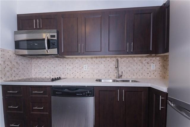 Condo Apartment at 111 Elizabeth St, Unit 925, Toronto, Ontario. Image 17
