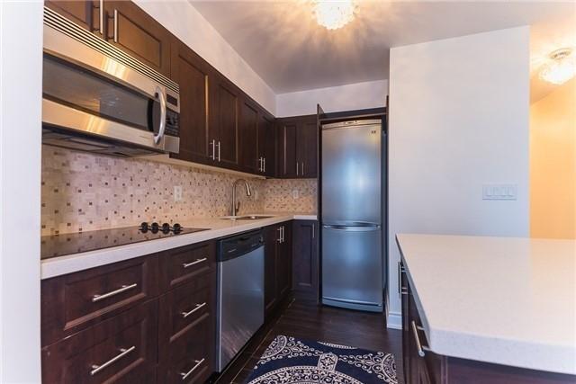 Condo Apartment at 111 Elizabeth St, Unit 925, Toronto, Ontario. Image 18