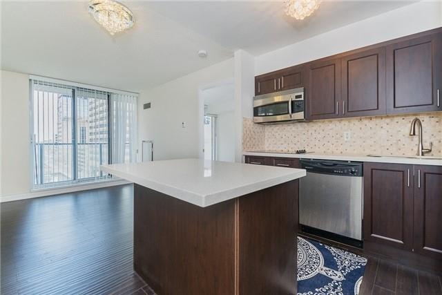 Condo Apartment at 111 Elizabeth St, Unit 925, Toronto, Ontario. Image 20