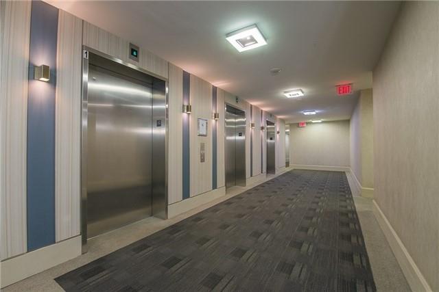 Condo Apartment at 111 Elizabeth St, Unit 925, Toronto, Ontario. Image 10