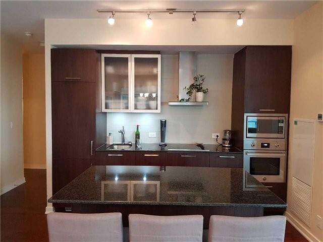 Condo Apartment at 12 York St, Unit 2504, Toronto, Ontario. Image 12
