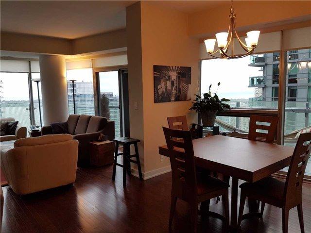 Condo Apartment at 12 York St, Unit 2504, Toronto, Ontario. Image 14