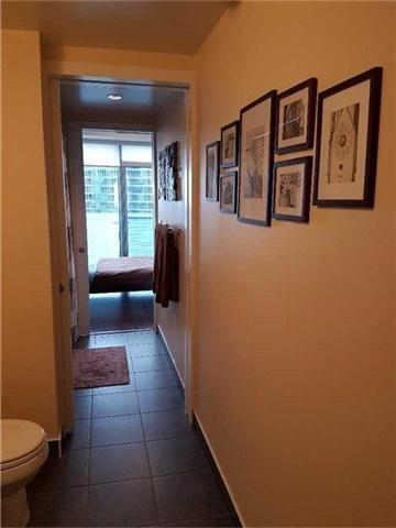 Condo Apartment at 12 York St, Unit 2504, Toronto, Ontario. Image 2