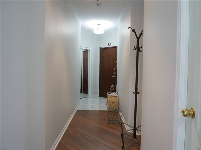 Condo Apartment at 555 Yonge St, Unit 303, Toronto, Ontario. Image 11