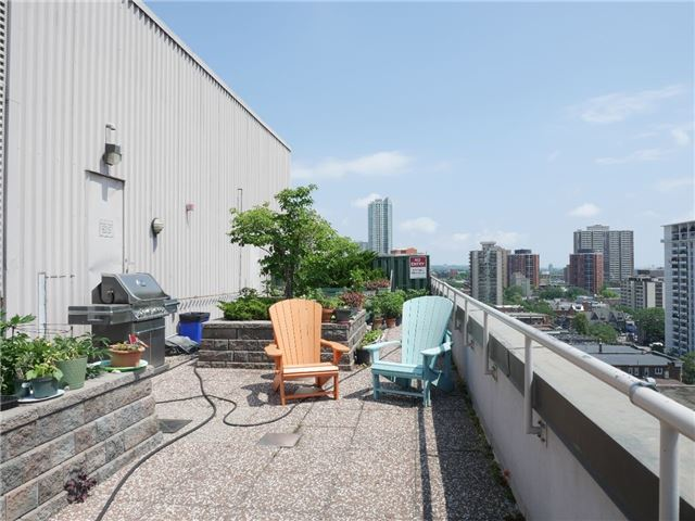 Condo Apartment at 555 Yonge St, Unit 303, Toronto, Ontario. Image 4