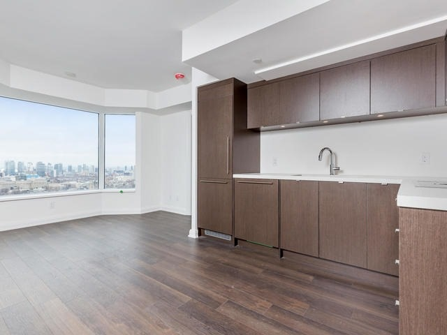 Condo Apartment at 155 Yorkville Ave, Unit 2914, Toronto, Ontario. Image 16