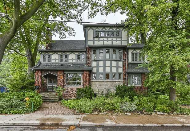 Detached at 17 Wells Hill Ave, Toronto, Ontario. Image 1
