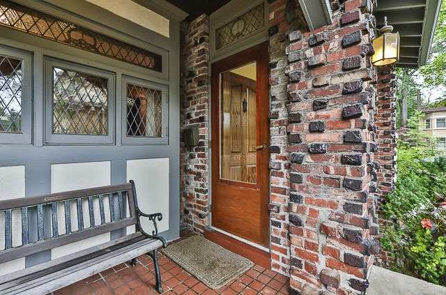 Detached at 17 Wells Hill Ave, Toronto, Ontario. Image 12