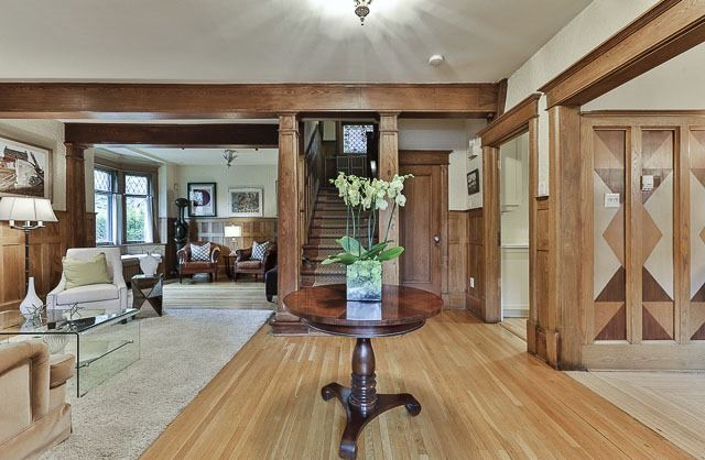 Detached at 17 Wells Hill Ave, Toronto, Ontario. Image 14