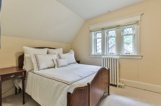 Detached at 17 Wells Hill Ave, Toronto, Ontario. Image 10