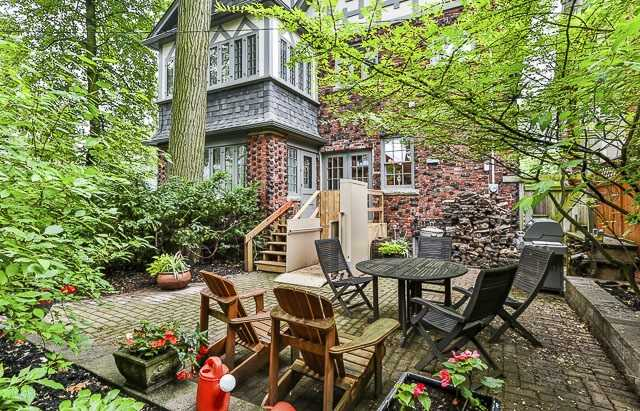 Detached at 17 Wells Hill Ave, Toronto, Ontario. Image 13