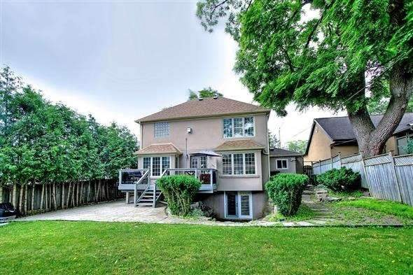 Detached at 254 Lawrence Ave E, Toronto, Ontario. Image 11