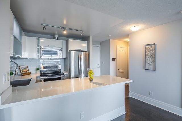 Condo Apartment at 188 Doris Ave, Unit 2105, Toronto, Ontario. Image 18